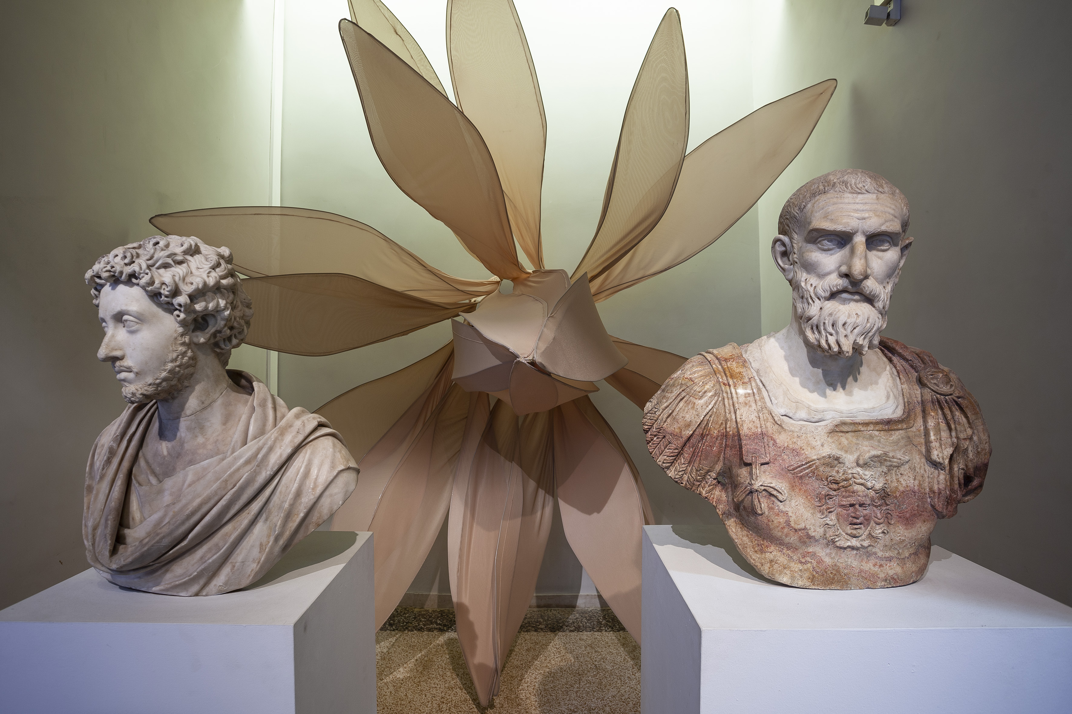 Julia Bornefeld, Blume, 2018, Arteologia_FG_Comunicazione